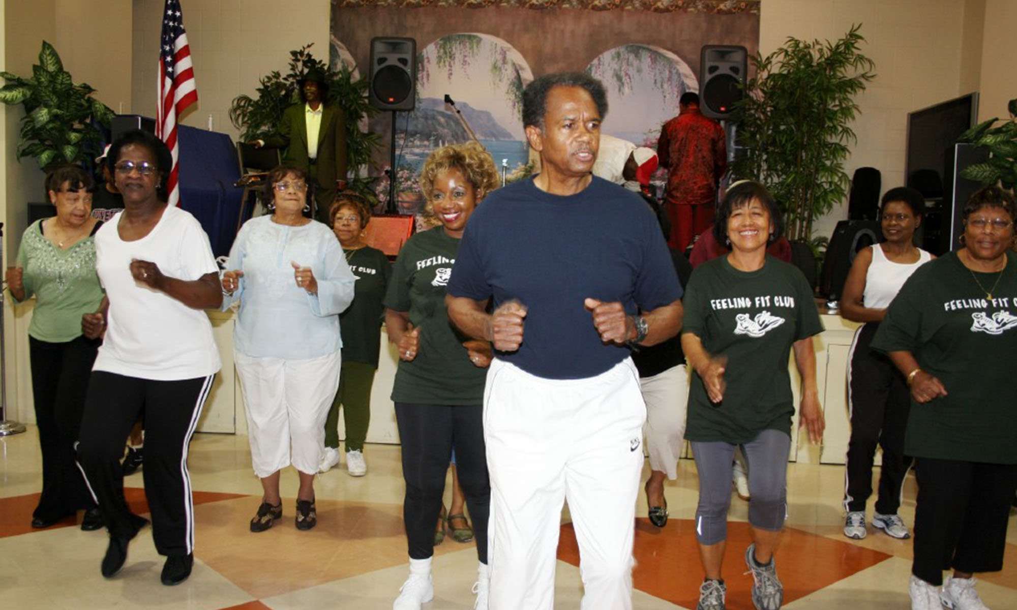 fdsrc-feeling-fit-club-exercise-class